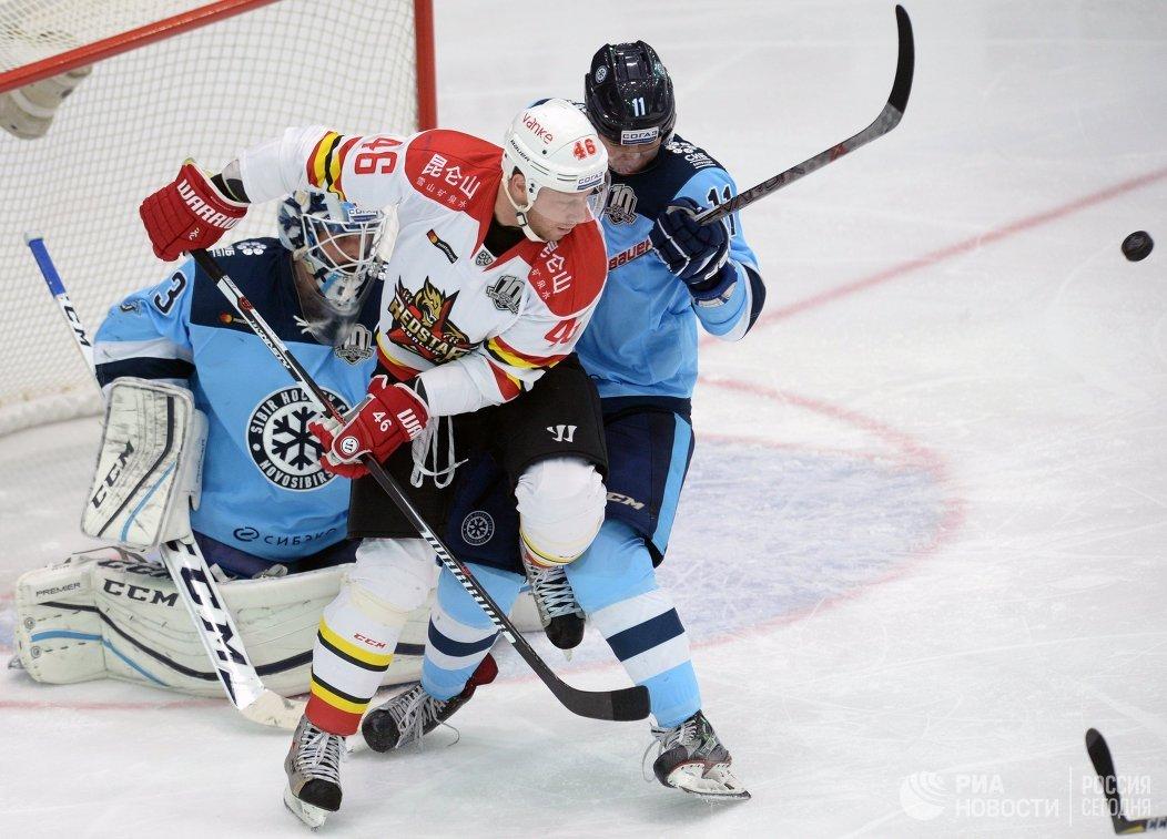 Хоккеисты «Куньлуня» победили «Сибирь», прервав четырехматчевую серию поражений вКХЛ