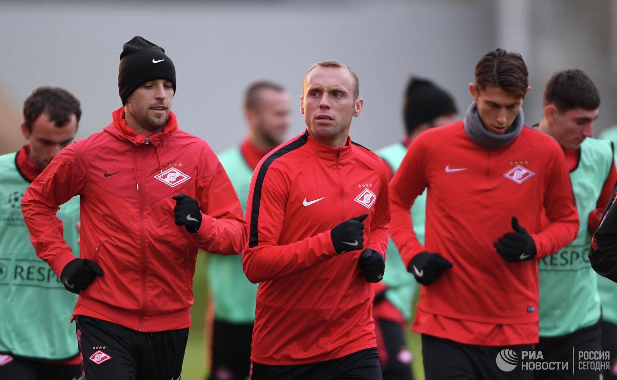 Футболисты Спартака Дмитрий Комбаров, Денис Глушаков и Илья Кутепов (слева направо)