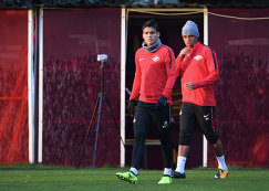 Футболисты Спартака Лоренсо Мельгарехо и Педро Роша (справа)