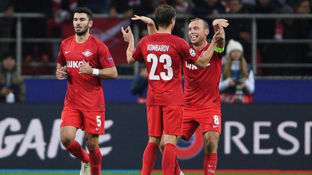 Игроки Спартака Сердар Таски, Дмитрий Комбаров и Денис Глушаков (слева направо)