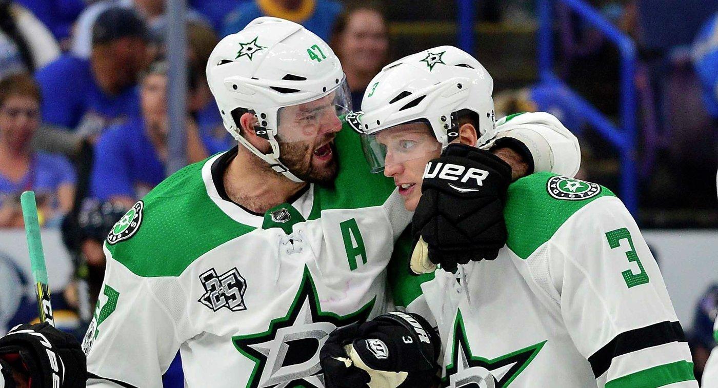 Хоккеисты Даллас Старз Александр Радулов (слева) и Джон Клингберг