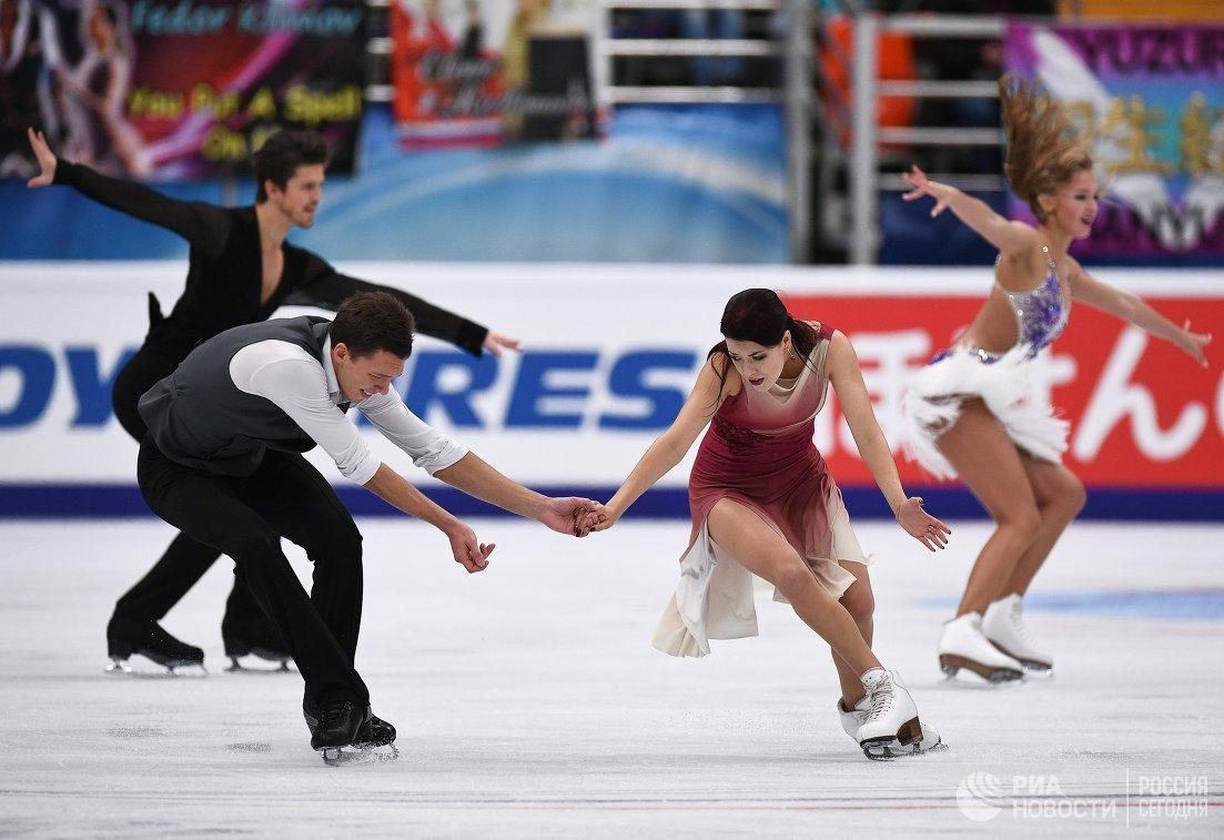 Екатерина Боброва и Дмитрий Соловьев (на первом плане)