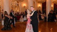 Анна Емшанова танцует с дедом, президентом Федерации хоккея России и депутат Госдумы РФ Владиславом Третьяком