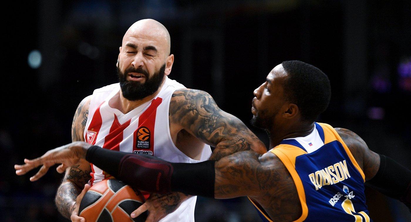 «Олимпиакос» нанес «Химкам» первое поражение вЕвролиге, невзирая на23 очка Шведа