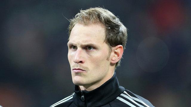 Защитник Шальке и сборной Германии по футболу Бенедикт Хеведес