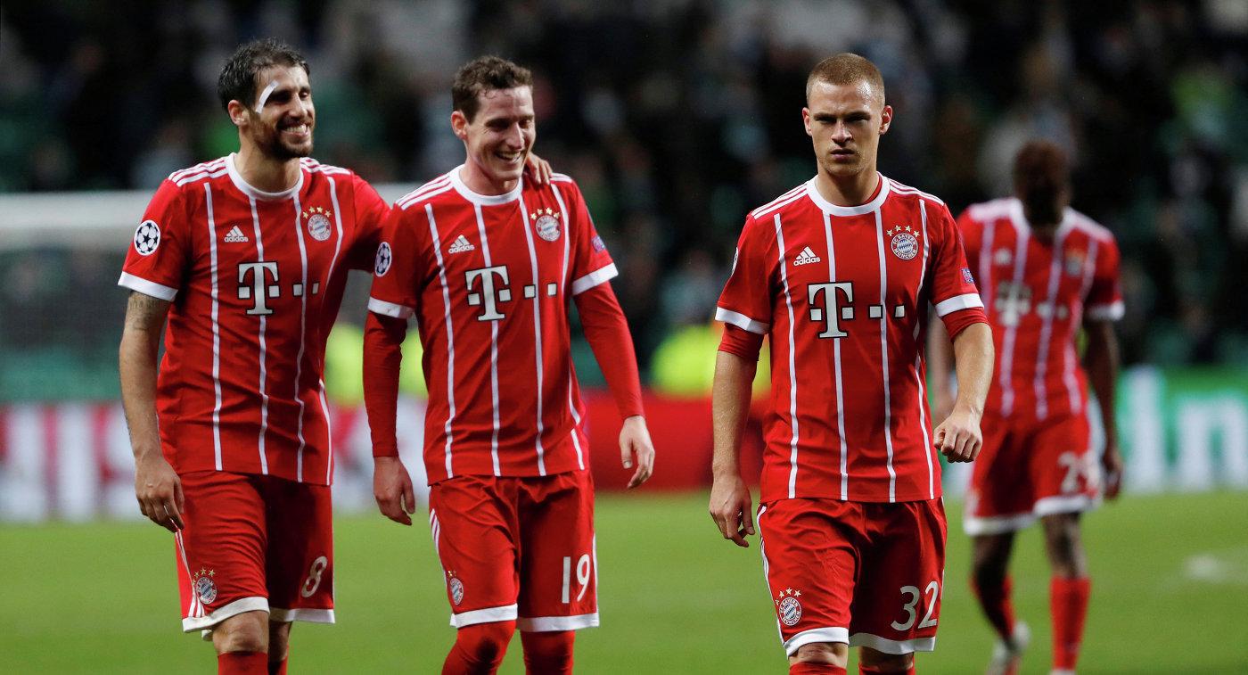Футболисты Баварии Хави Мартинес, Себастьян Руди и Йозуа Киммих (слева направо)