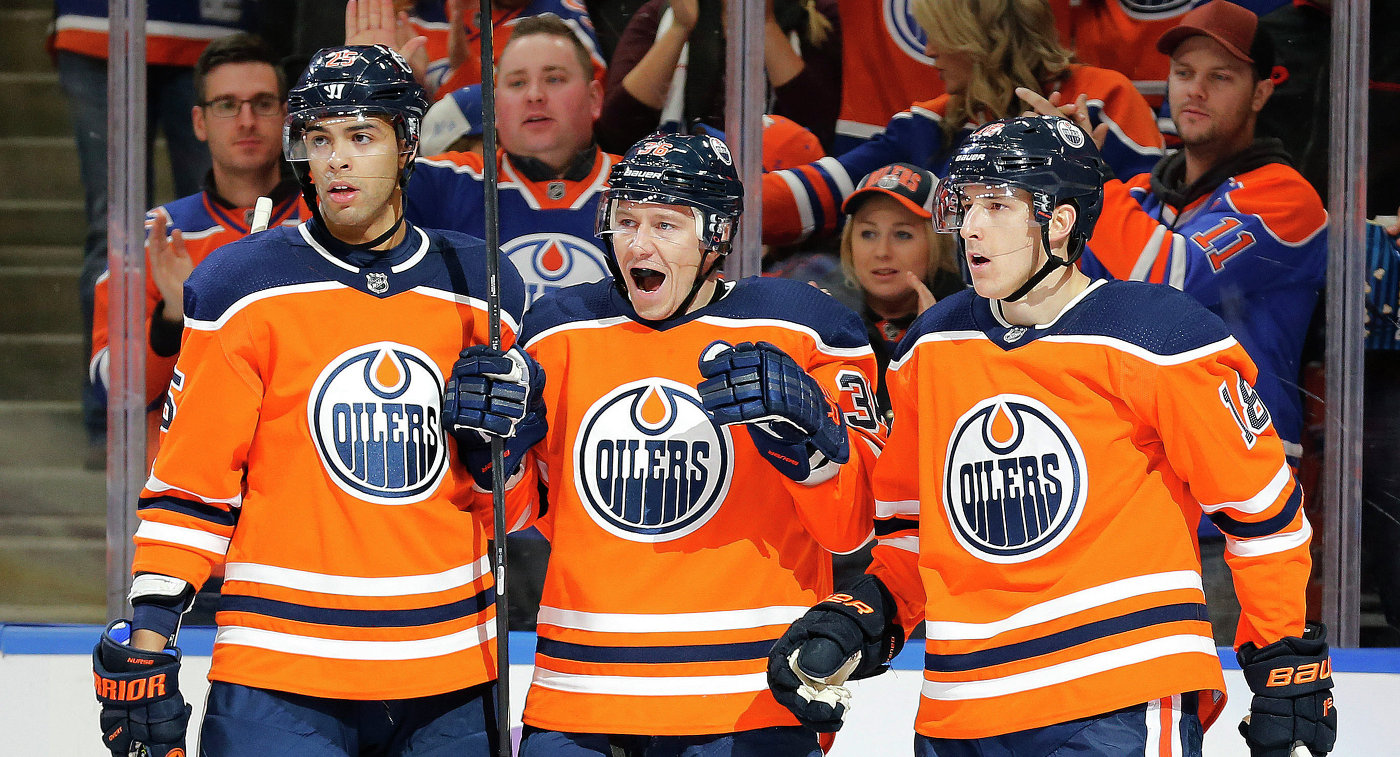 Передача Слепышева помогла «Эдмонтону» обыграть «Нью-Джерси» вматче НХЛ