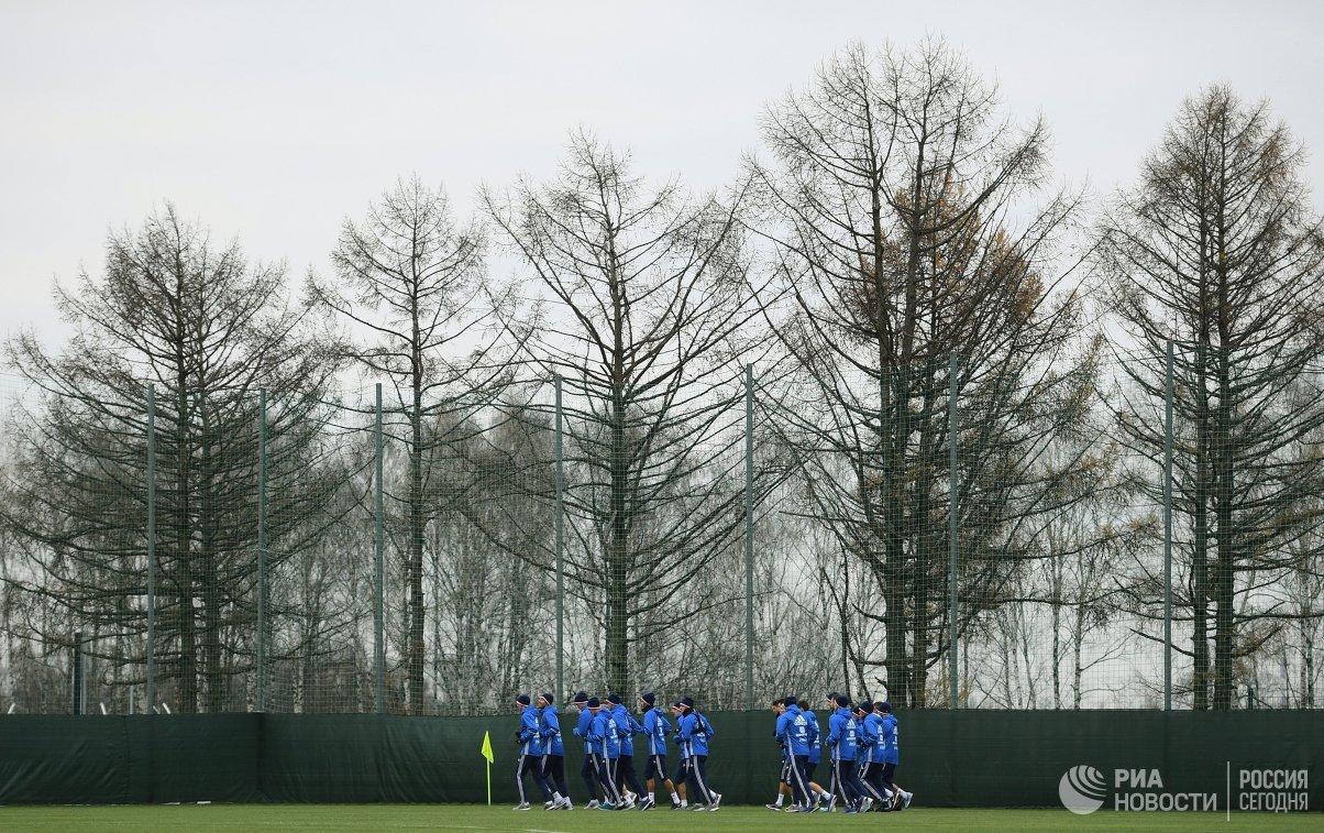 Зобнин тренируется вобщей группе сборной Российской Федерации пофутболу