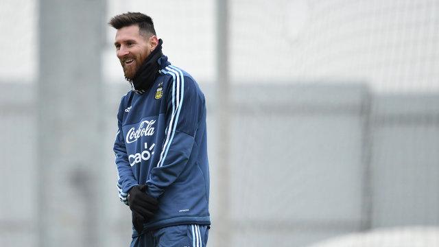 Нападающий сборной Аргентины Лионель Месси на тренировке