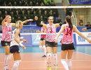 Капитан женского волейбольного клуба Динамо (Краснодар) Мария Перепелкина (в центре)