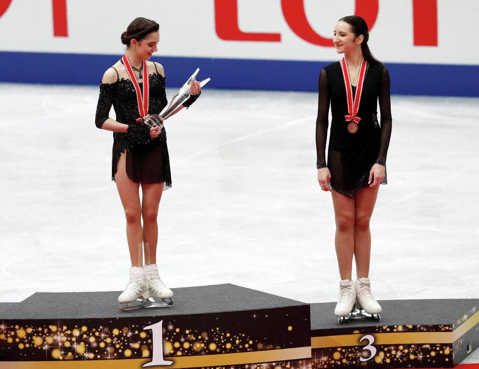 Полина Цурская (справа) и Евгения Медведева