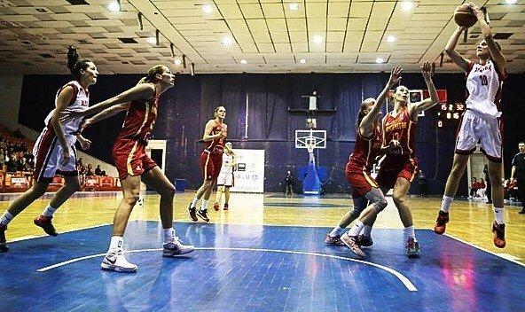 Женская сборная Российской Федерации разгромила Албанию вотборе чемпионата Европы