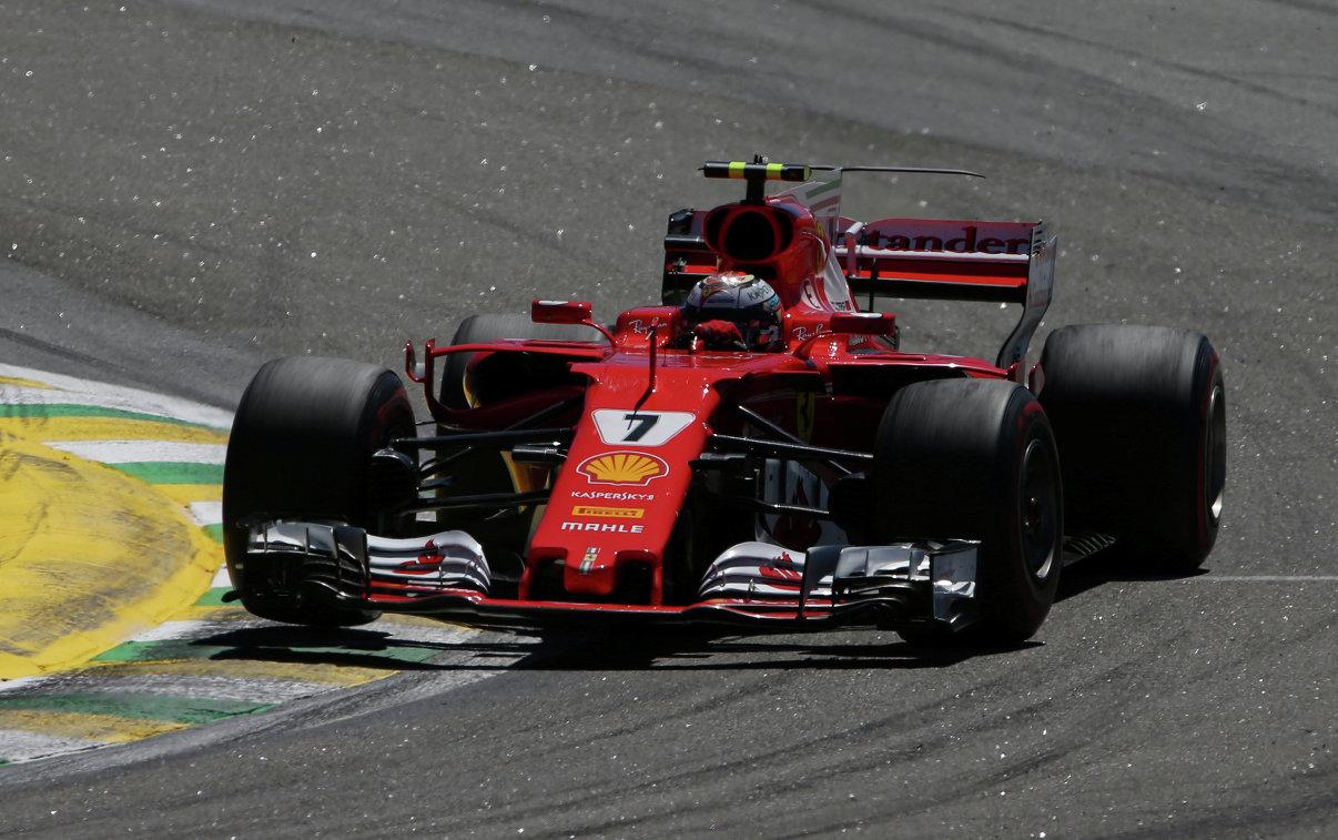 Пилот Феррари Феттель одержал победу Гран-при Бразилии