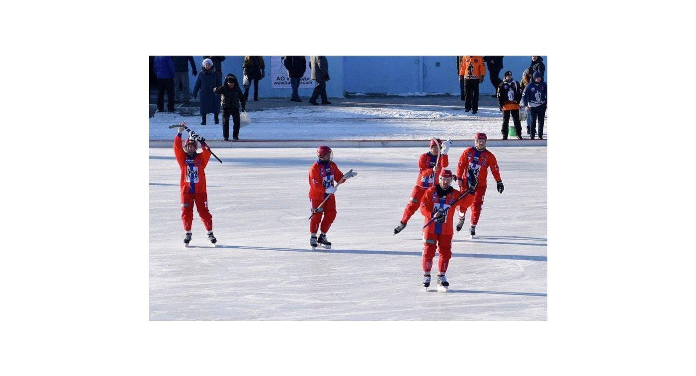Игроки бендийного клуба Сибсельмаш