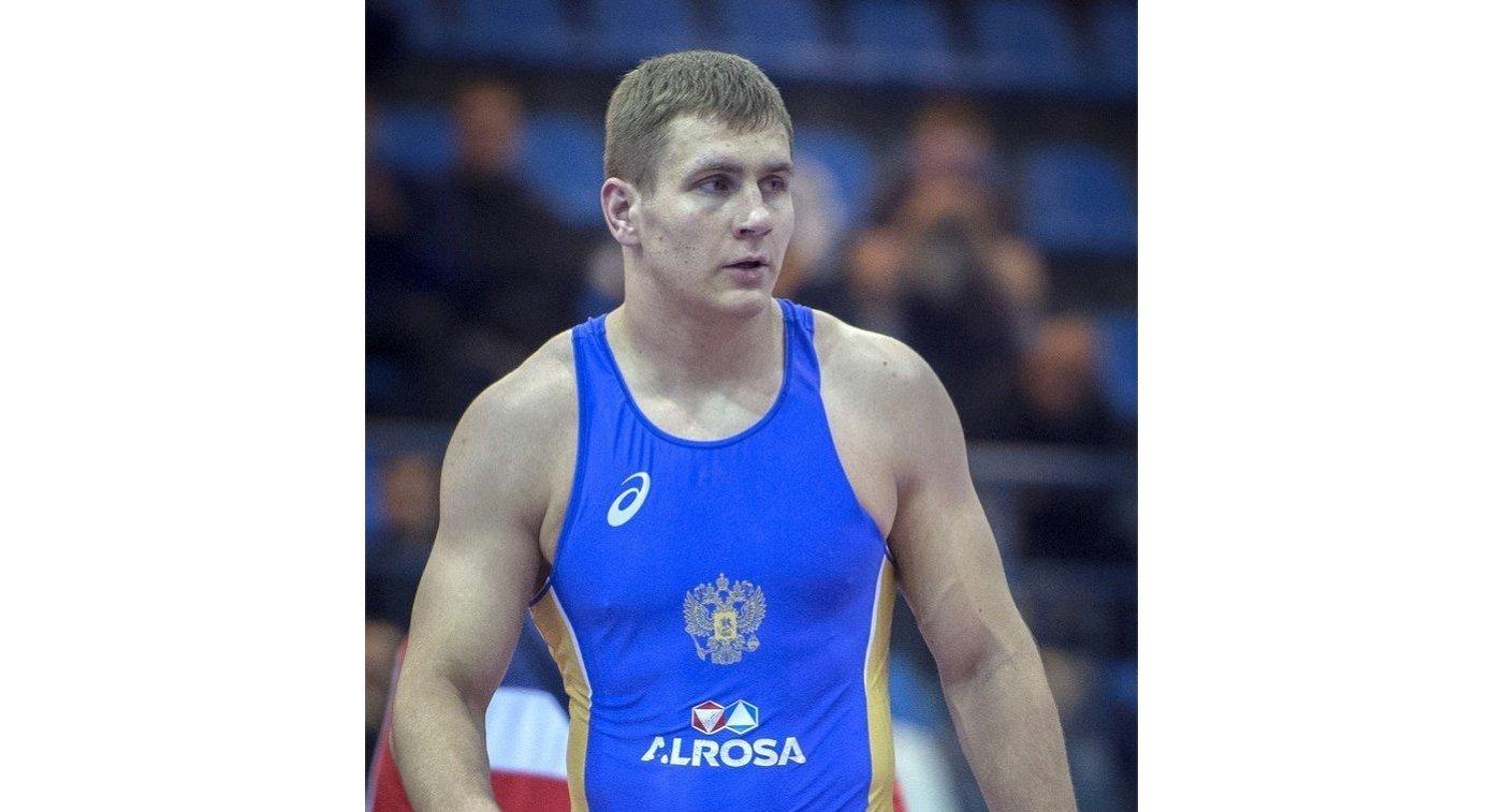 Сергей Емелин завоевал серебро намолодежном первенстве мира погреко-римской борьбе