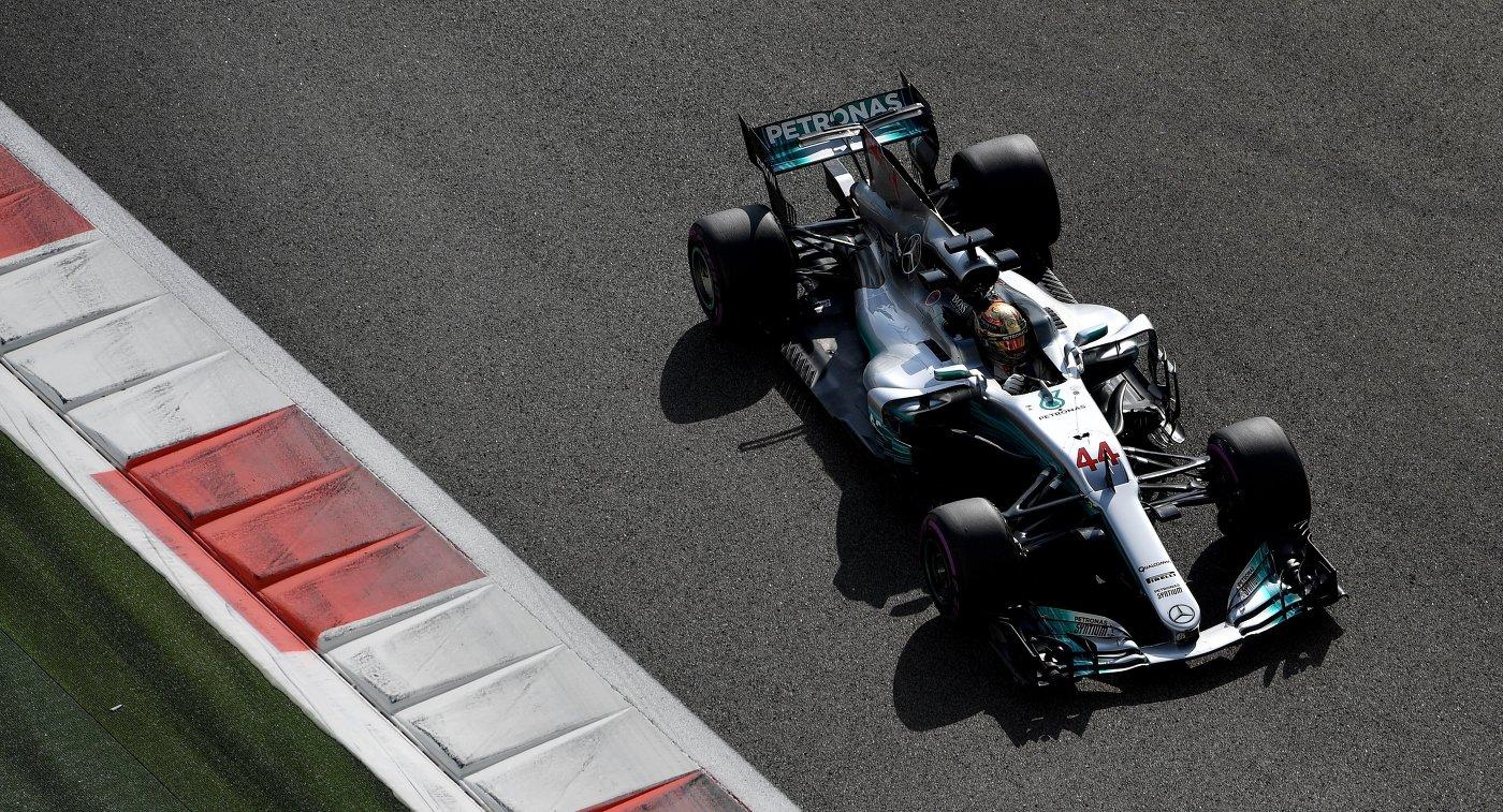 Гонщик «Мерседеса» Боттас одержал победу квалификацию Гран-при Абу-Даби в«Формуле-1»