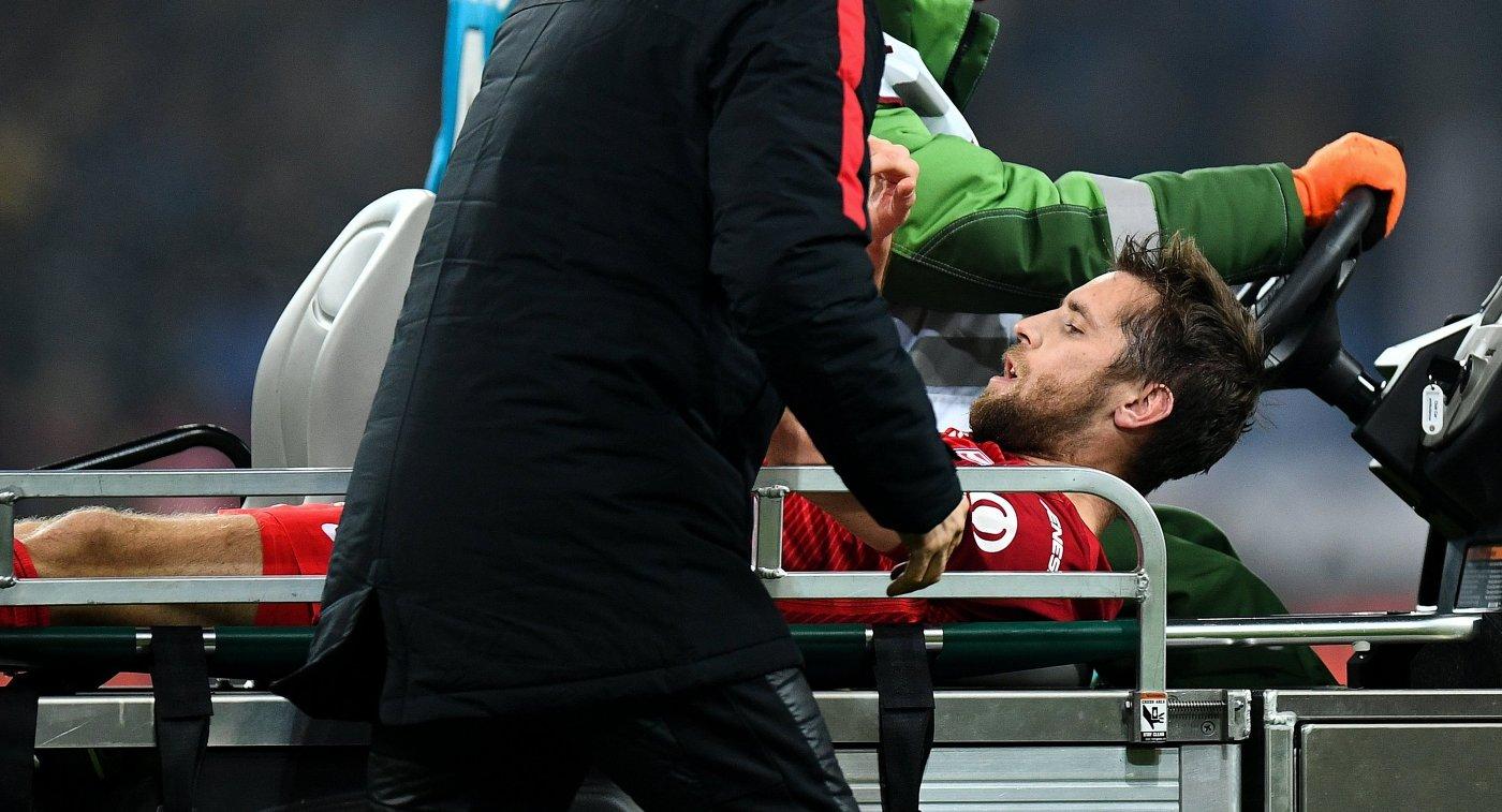 Дмитрий Комбаров сломал ребро ибольше в2015-м году несыграет