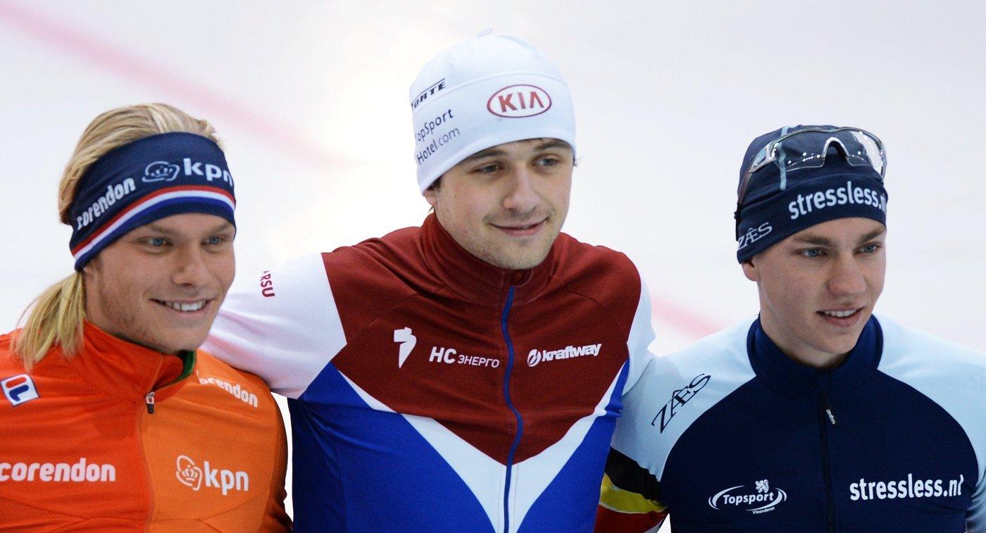 Кун Вервей (слева) - второе место, Денис Юсков (в центре) - первое место, Барт Свингс (справа) - третье место