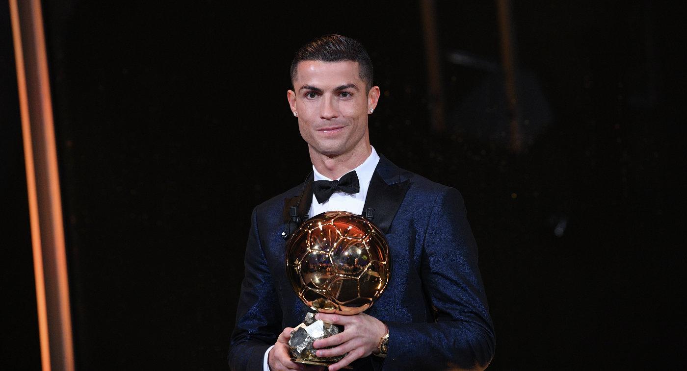 Нападающий мадридского Реала и сборной Португалии по футболу Криштиану Роналду