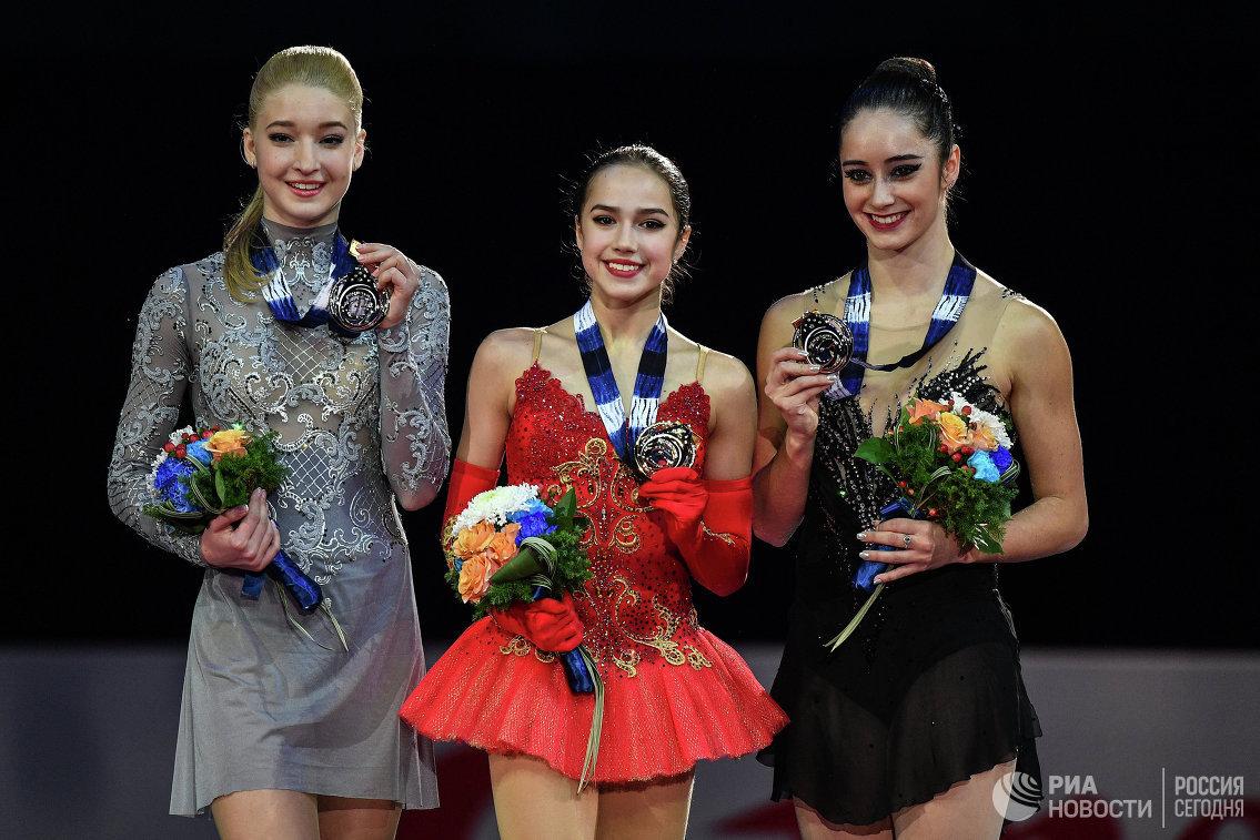 Мария Сотскова, Алина Загитова и Кэйтлин Осмонд (слева направо)