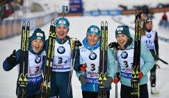 Биатлонистки сборной Украины Вита Семеренко, Ольга Пидручная, Валентина Семеренко и Юлия Джима (слева направо)