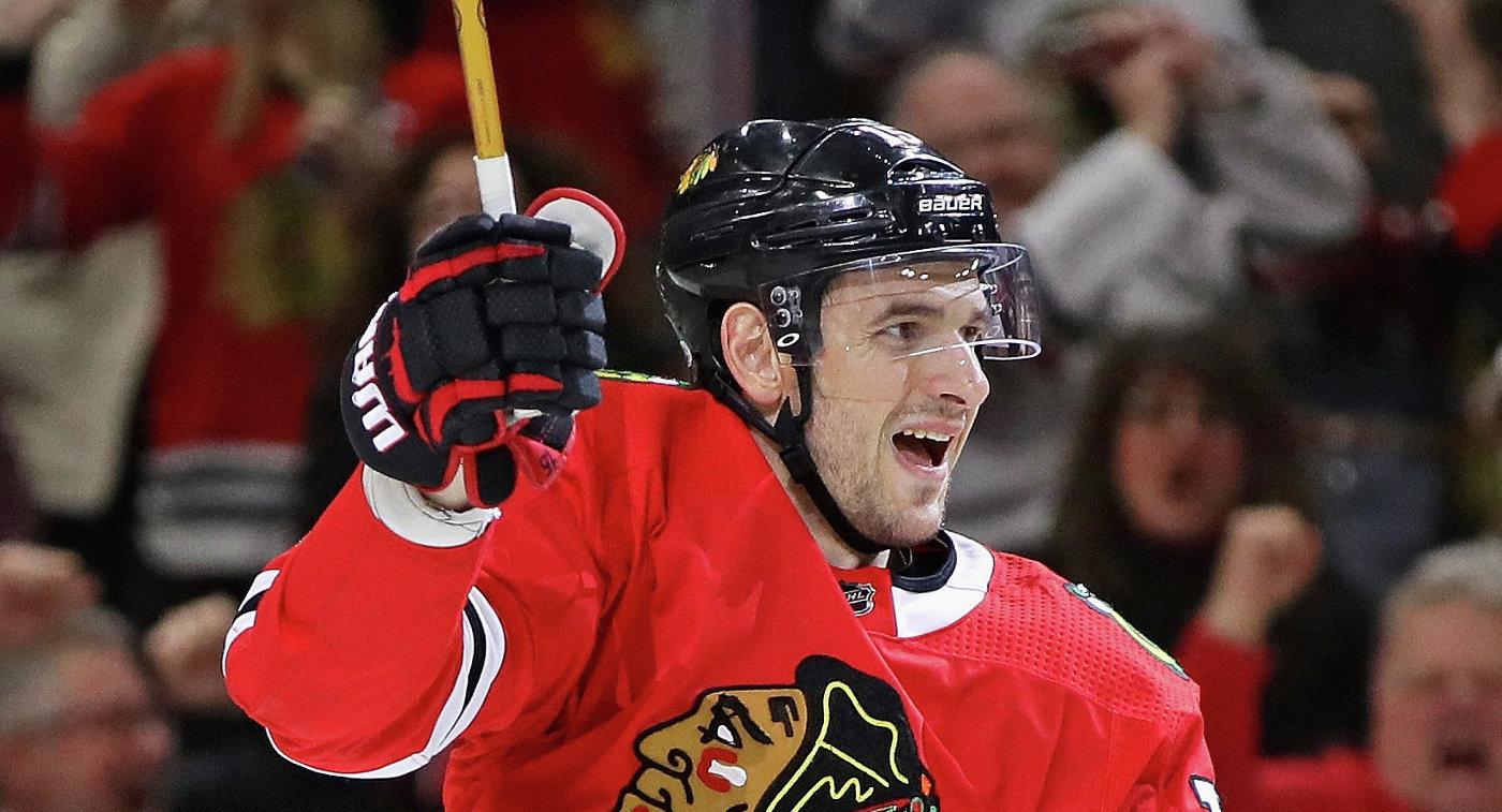 Шайба Анисимова помогла «Чикаго» одолеть «Аризону» вматче НХЛ