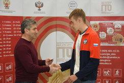 Министр спорта Ростовской области дал старт испытаниям для сотрудников РЖД и наградил знаками ГТО тех, кто завоевал их ранее