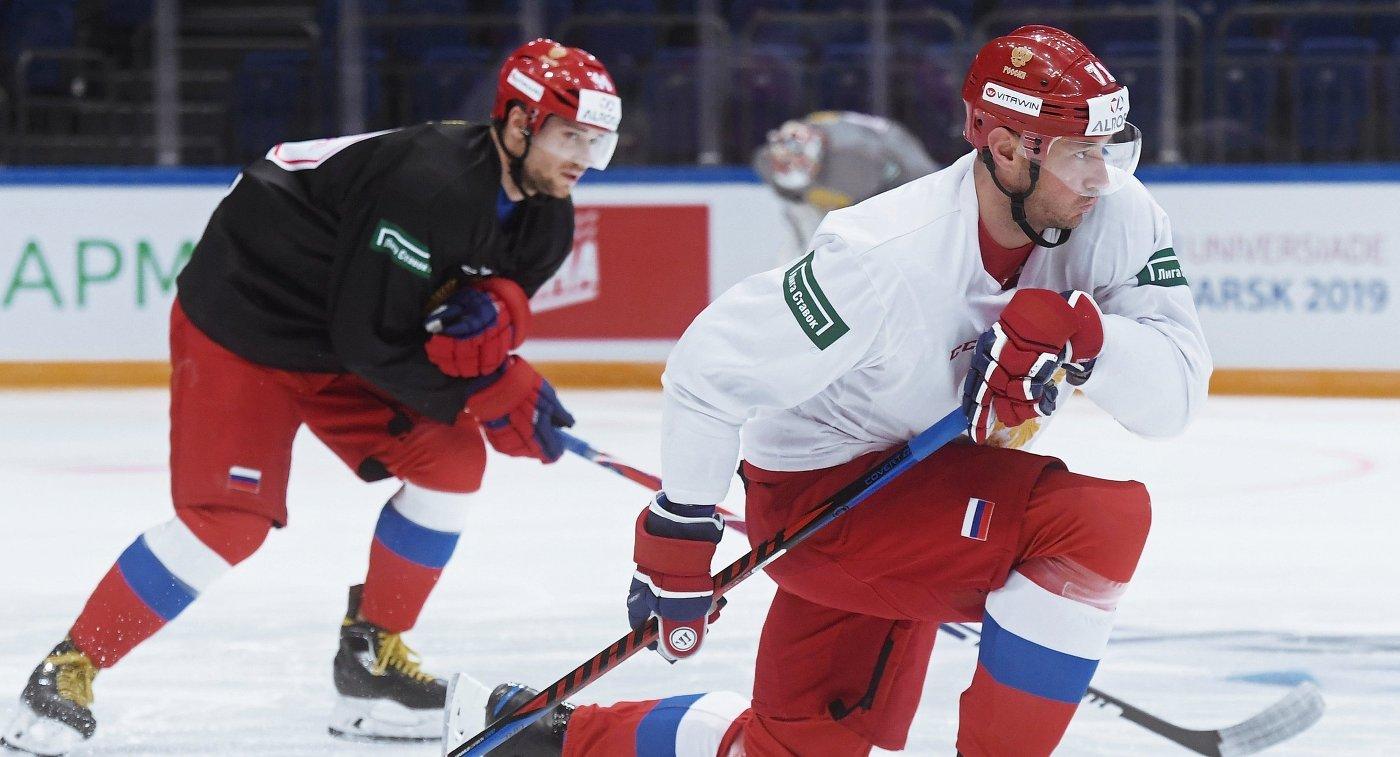 Капитан сборной России по хоккею Илья Ковальчук (справа)