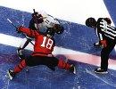 Нападающие сборной Канады Линден Вей (слева) и сборной Южной Кореи Ки Сун Ким