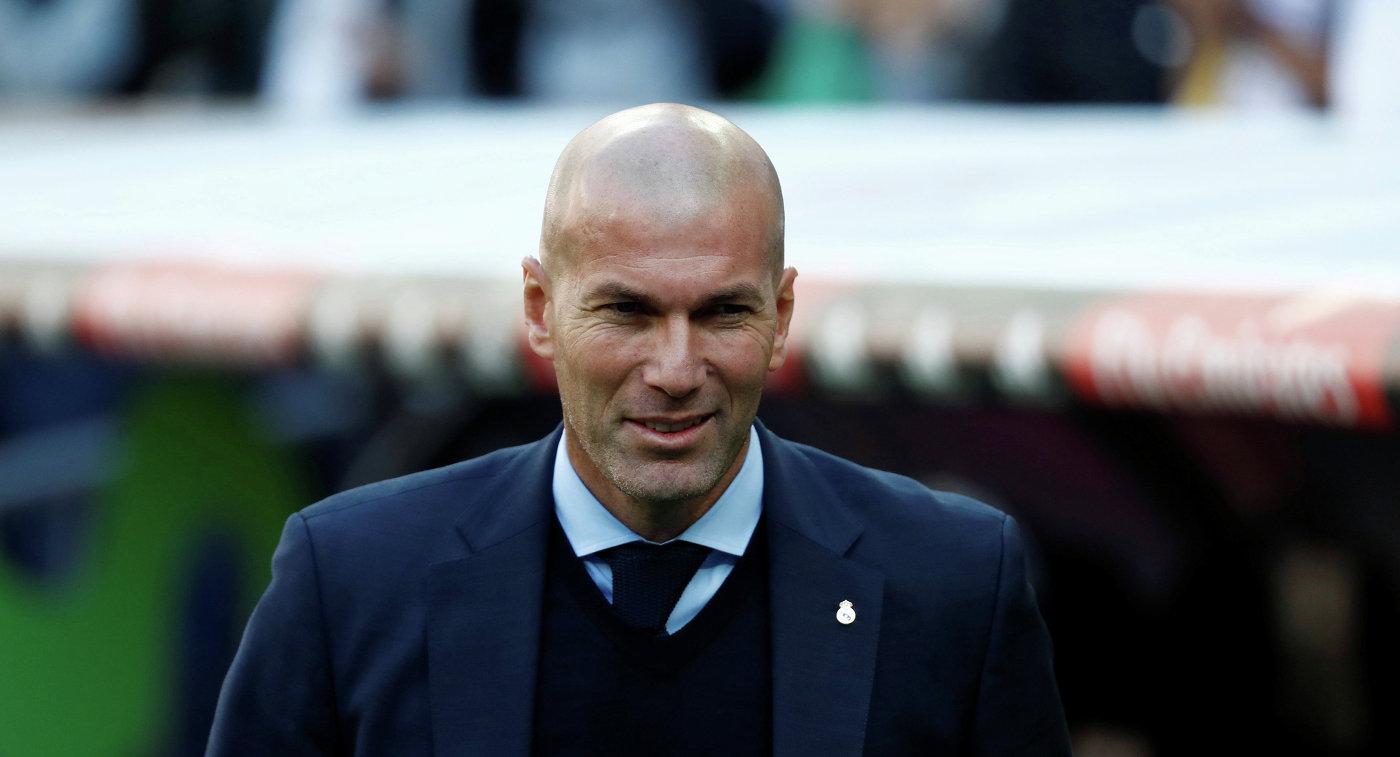 Главный тренер мадридского футбольного клуба Реал Зинедин Зидан