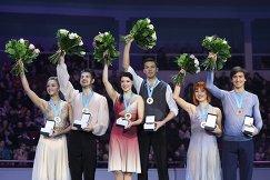Александра Степанова и Иван Букин, Екатерина Боброва и Дмитрий Соловьев, Тиффани Загорскии и Джонатан Гурейро (слева направо)