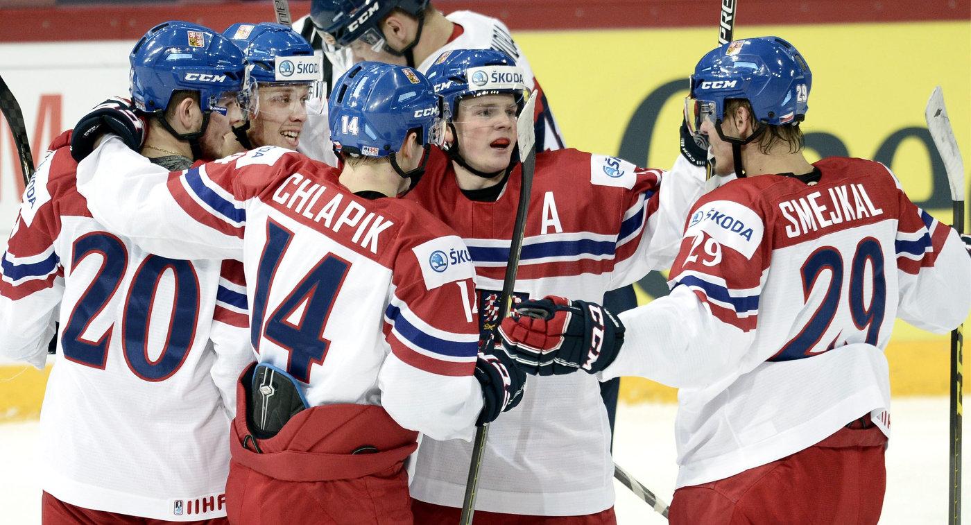 Хоккеисты сборной Чехии обыграли команду Швейцарии в матче молодежного ЧМ