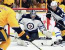 Голкипер клуба НХЛ Виннипег Джетс Коннор Хеллебайк