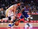 Игровой момент матча НБА Клипперс - Уорриорз