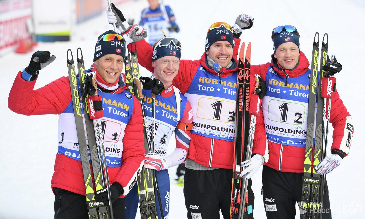 Биатлонисты сборной Норвегии Ларс-Хельге Биркеланд, Йоханнес Бё, Эмиль Хегле Свендсен и Тарьей Бё (слева направо)