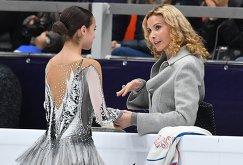 Алина Загитова (слева) и Этери Тутберидзе
