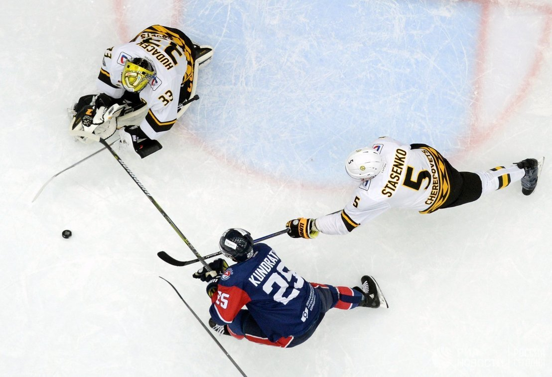 Хоккеисты «Северстали» проиграли «Торпедо»
