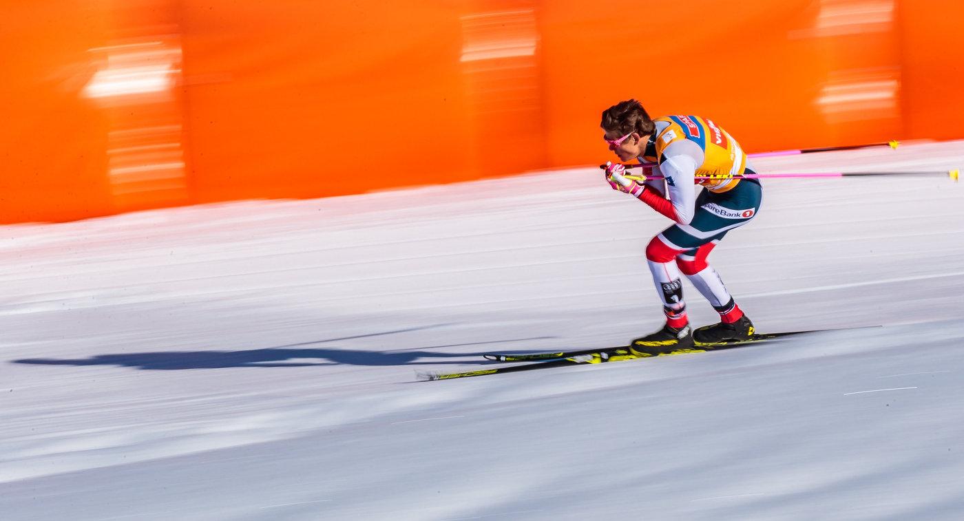 Норвежский лыжник не сдержал эмоций, сломав перед финишем палку