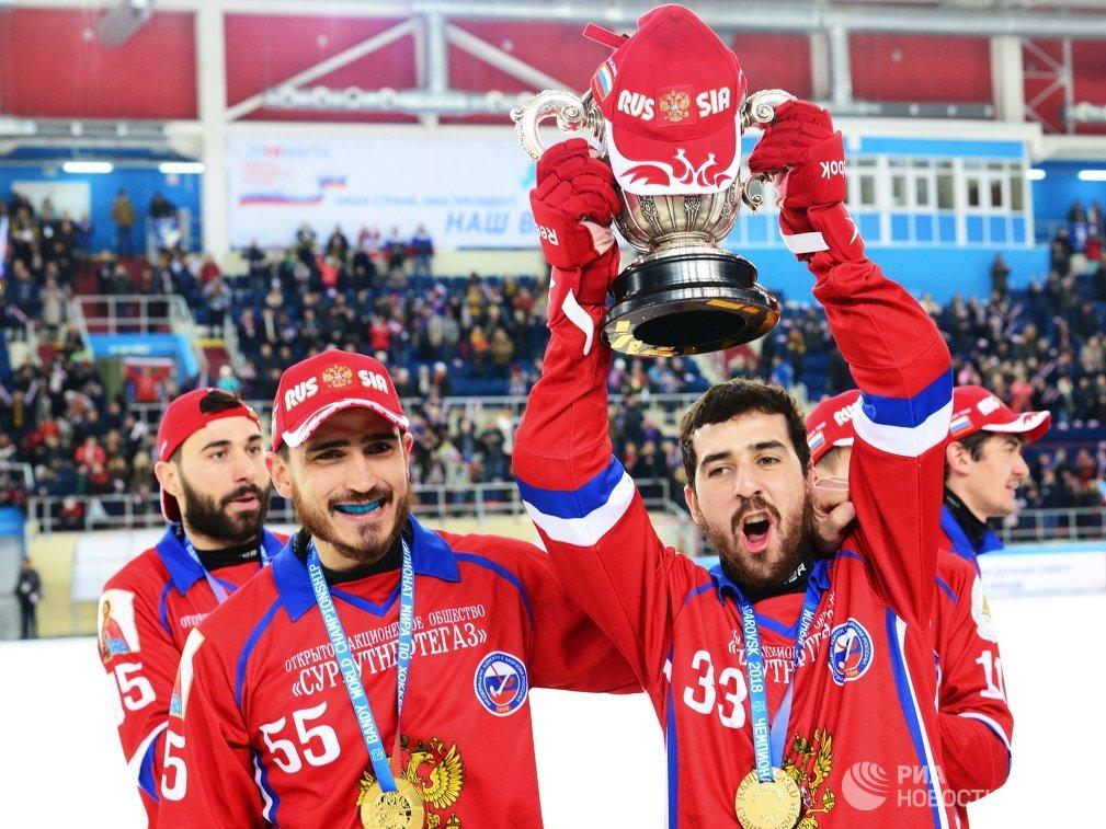 Игроки сборной России по хоккею с мячом