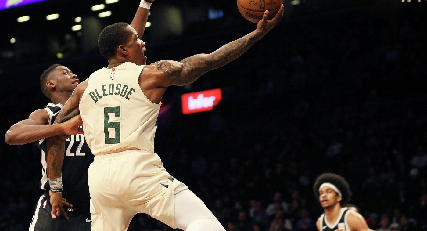 """Баскетболисты """"Милуоки"""" нанесли поражение """"Чикаго"""" в матче чемпионата НБА"""