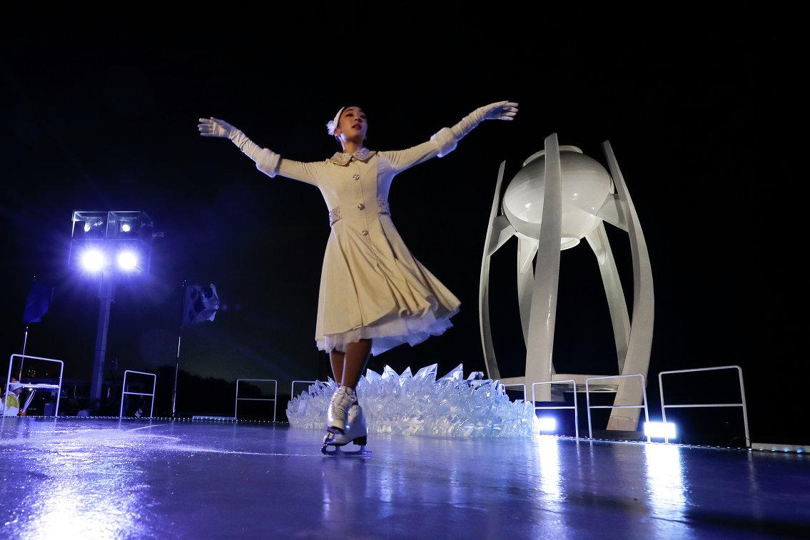 Южнокорейская фигуристка Ким Юна на церемонии открытия Олимпийских игр в Пхенчхане