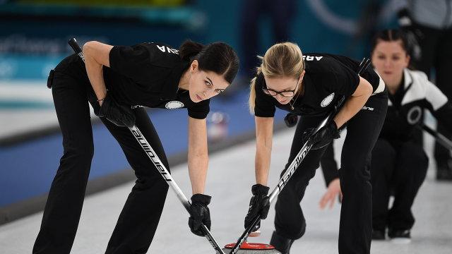 Ульяна Васильева, Галина Арсенькина и Юлия Гузиева (слева направо)