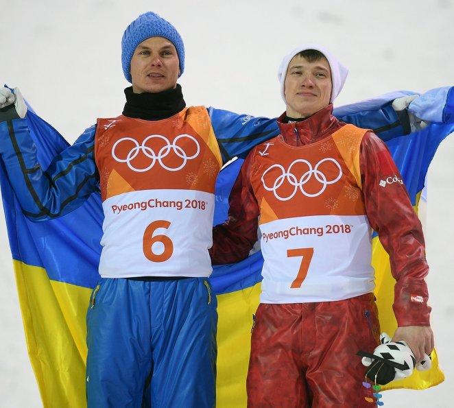 Александр Абраменко и Илья Буров (справа)