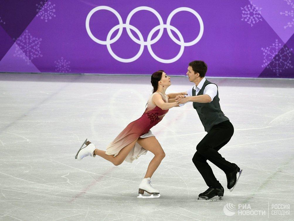 Российские фигуристы Екатерина Боброва и Дмитрий Соловьев