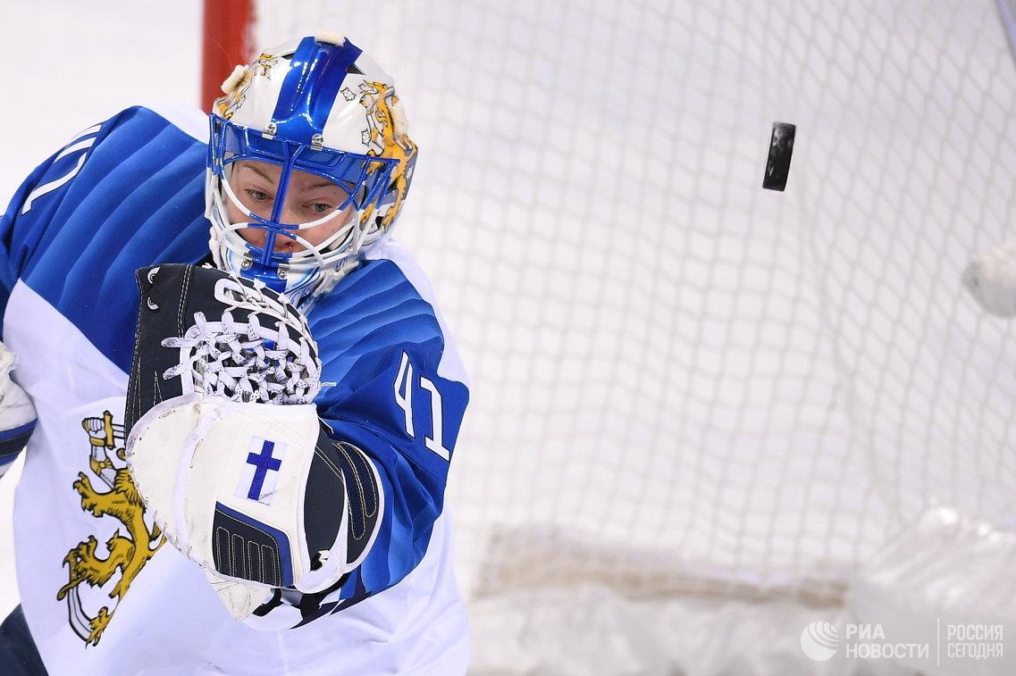 Вратарь женской сборной Финляндии по хоккею Ноора Рятю