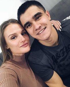 Никита Трегубов вместе со своей девушкой Анастасией
