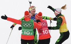 Белорусские биатлонистки Надежда Скардино, Ирина Кривко, Динара Алимбекова и Дарья Домрачева (в центре)