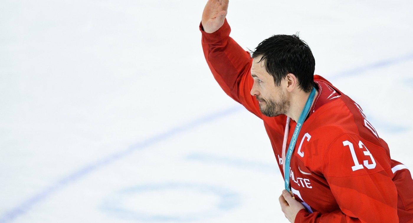 Павел Дацюк сообщил золотую медаль ЧМ-2012 Среднеуральскому монастырю