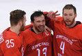 Хоккеисты сборной России Михаил Григоренко, Павел Дацюк, Владислав Гавриков (слева направо)