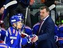 Главный тренер ХК СКА Олег Знарок (справа)